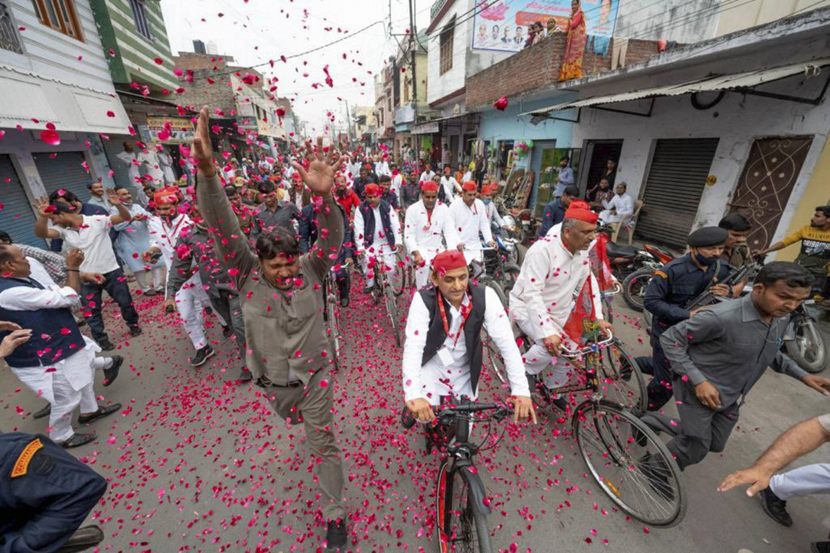 Uttar Pradesh: FIR filed against former CM Akhilesh Yadav, 20 SP workers over alleged assault on journalists