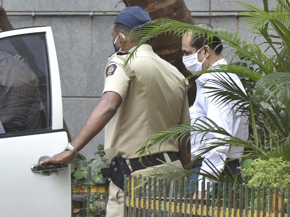 Antilia bomb scare probe: Sachin Vaze's NIA custody extended till April 3