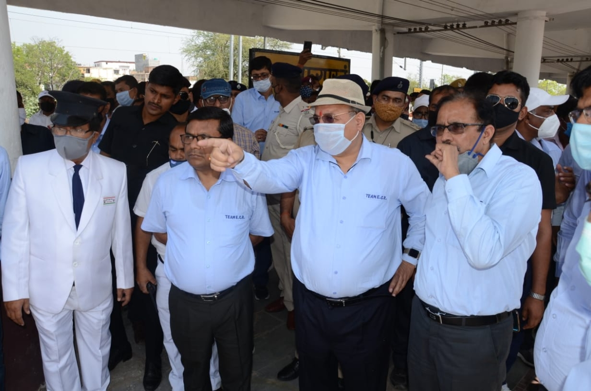 GM-ECR inspects Sonpur-Muzaffarpur-Bachhwara section