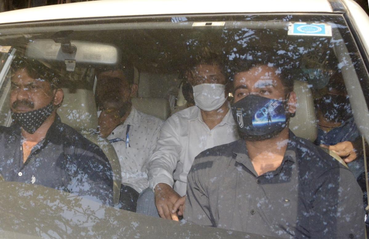 Antilia bomb scare: Sachin Vaze, Mansukh Hiren seen meeting on the day Scorpio was 'stolen'