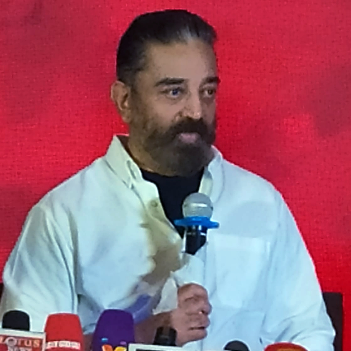 Tamil Nadu: IT raids on party treasurer Chandrasekaran leaves Kamal Haasan in a spot