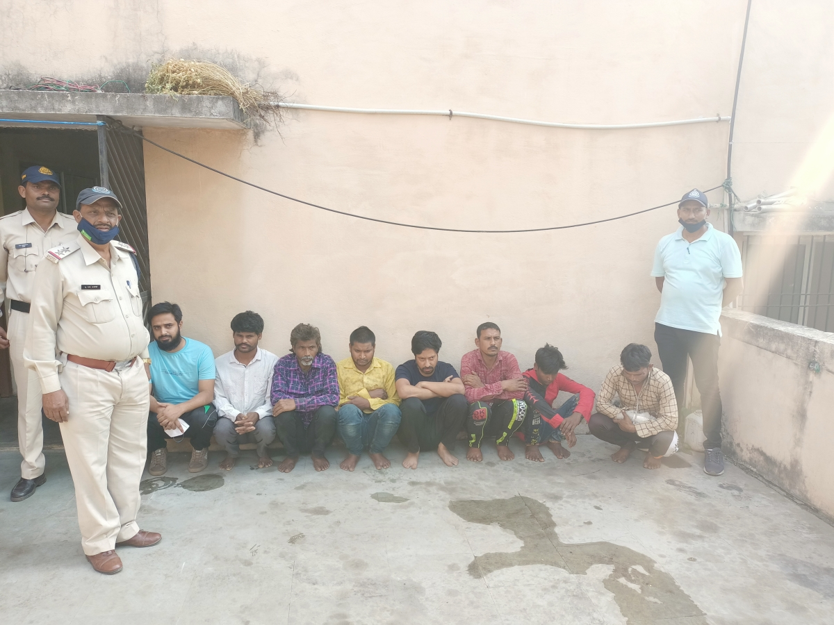 Khargone: 8 arrested for stealing goods worth Rs 7 lakh from Maheshwar Hydroelectric Project yard