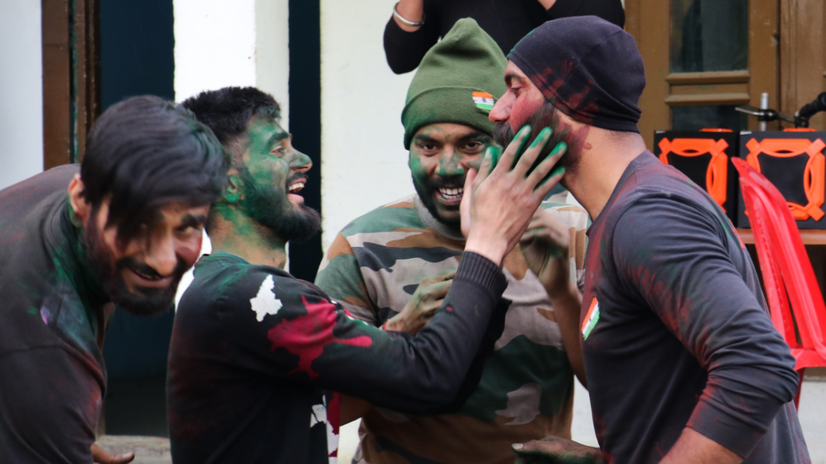 IN PICS:- Soldiers in Kashmir celebrate Holi away from home