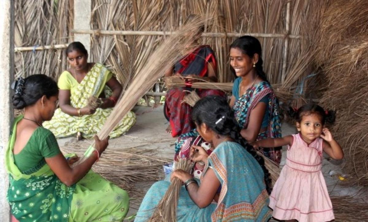 Morena: Making brooms helps women to become 'Aatmanirbhar'