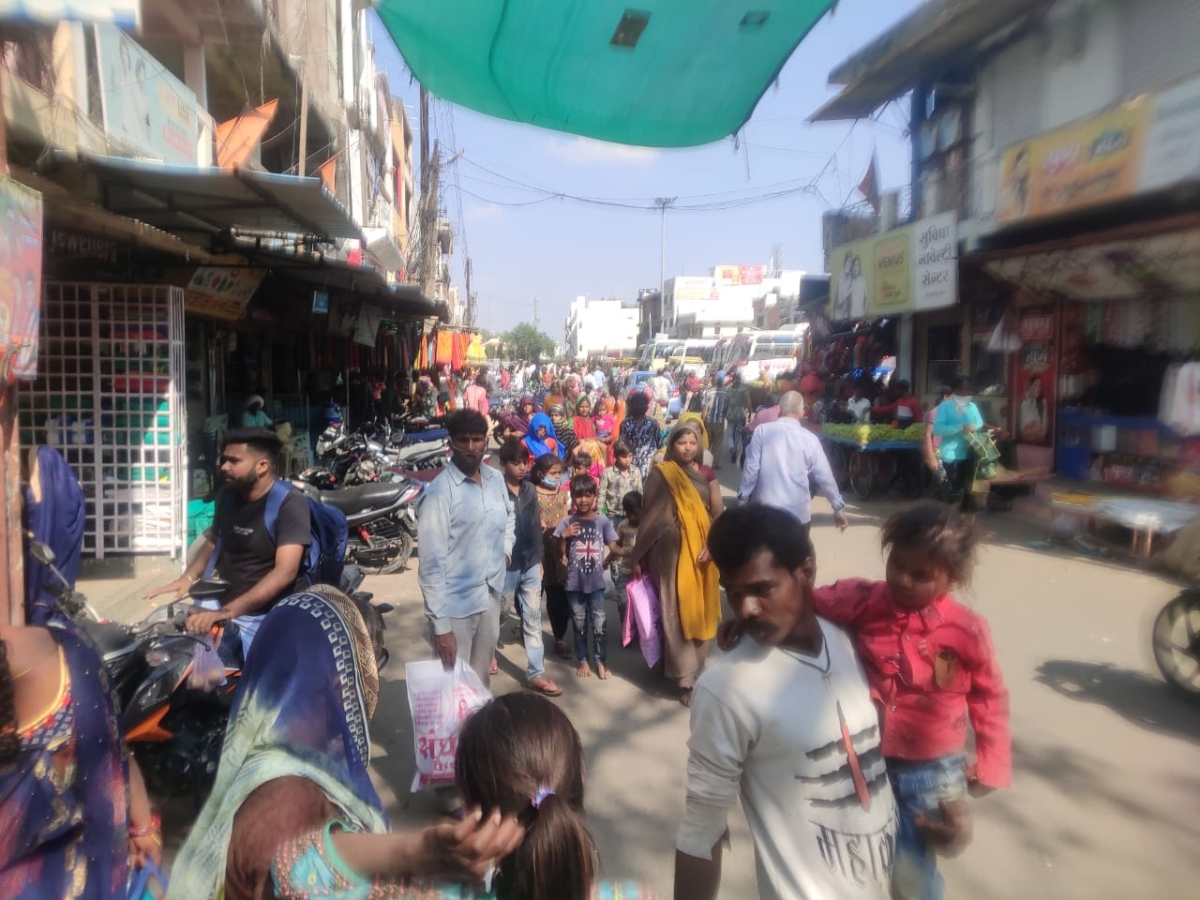 Dhar: Strictness impacts none in Sardarpur as people flout Covid norms