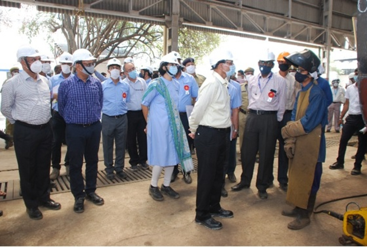 General Manager, Central Railway inspects Matunga Workshop