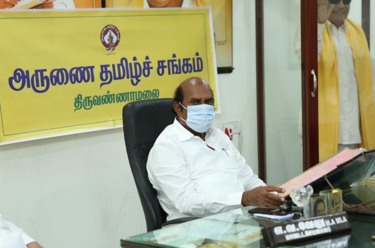 Tamil Nadu: I-T department raids on DMK leader's EV Velu premises