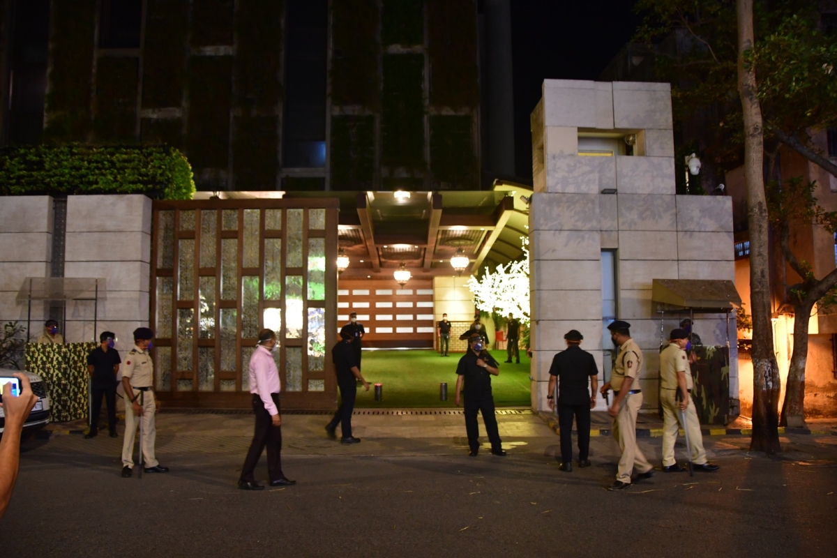 Antilia bomb scare: Indian Mujahideen terrorist questioned for 4 hours in Tihar Jail on mobile phone recovery