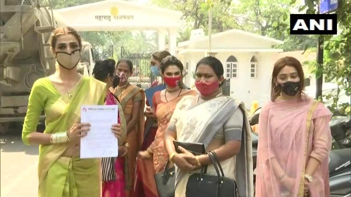 Mumbai: Transgender delegation meets Governor BS Koshyari, seeks fulfilment of their fundamental rights