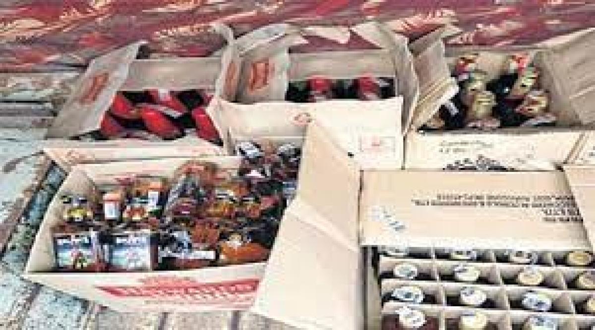 Ujjain: Illicit liquor worth Rs 22,950 seized from house in Barnagar