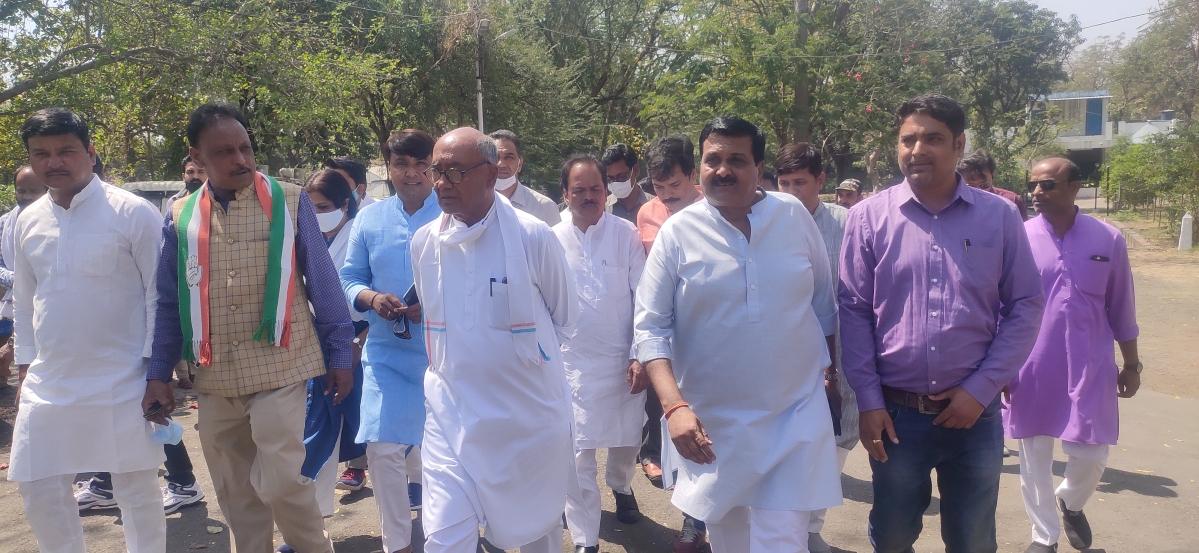 Indore: Actors have little impact on parties, says Digvijaya Singh