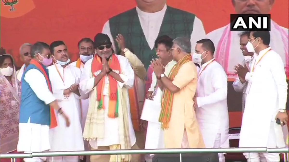 Kolkata: Mithun Chakraborty joins BJP ahead of PM Modi's mega rally