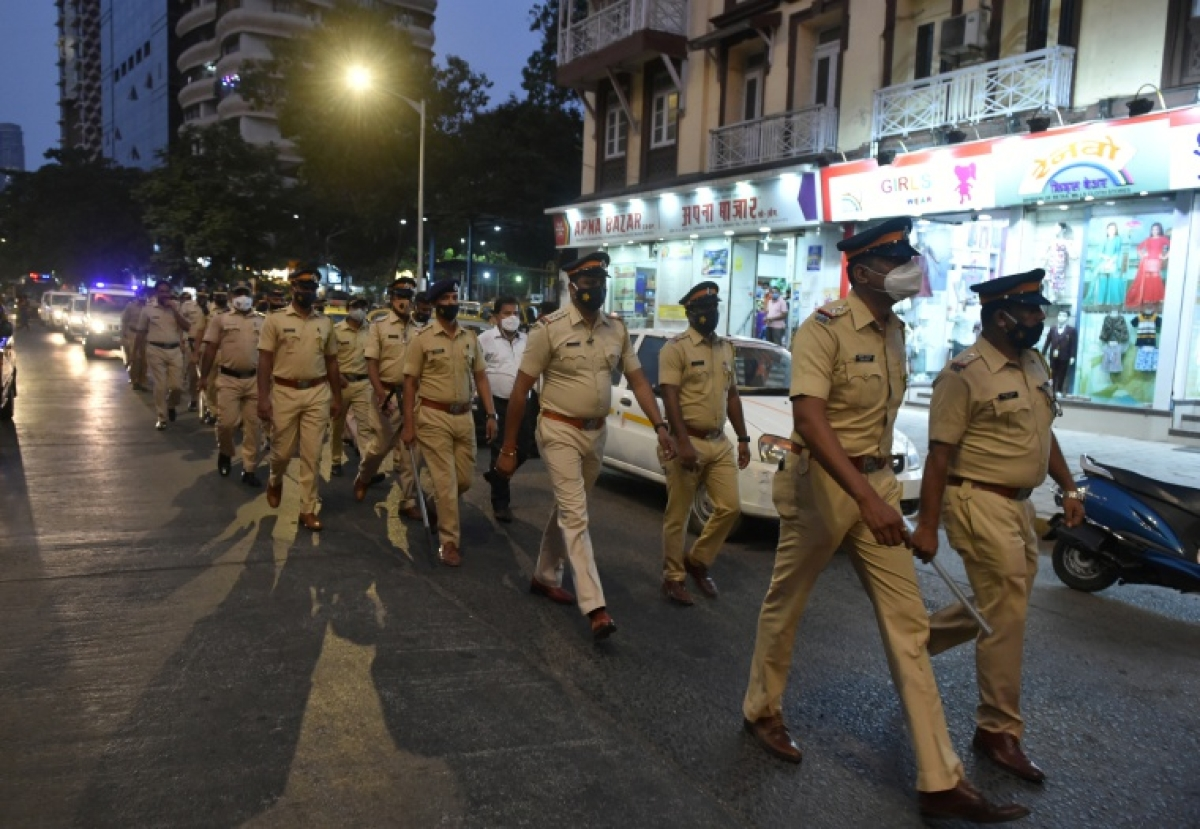 Mumbai police starts five regional help desks for its personnel who contract COVID-19