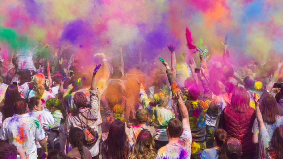 'Extreme hypocrisy': Twitterati complain of ban on Holi while election rallies continue