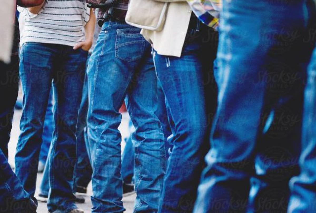 Uttar Pradesh: Sambhal DM bans jeans, t-shirts in govt offices, only formals allowed