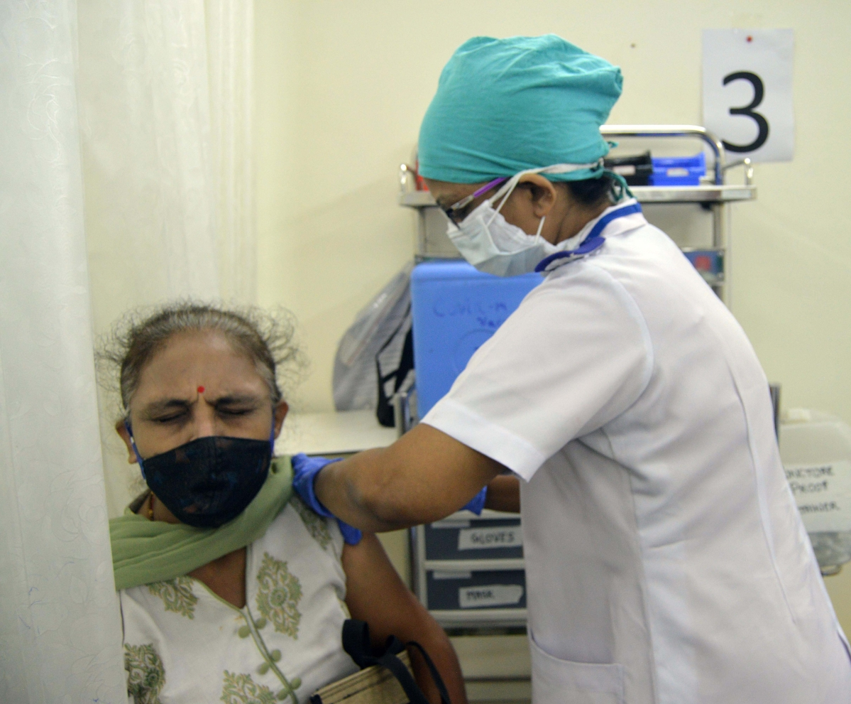 COVID-19 in Mumbai: Less than 40K beneficiaries get vaccinated for second day