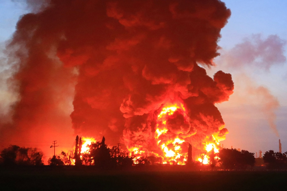 Several injured, hundreds evacuated after massive fire breaks out at Indonesia oil refinery