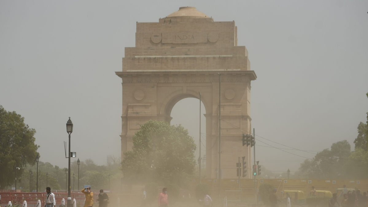 IMD predicts dust storm, strong winds likely in Delhi till tomorrow