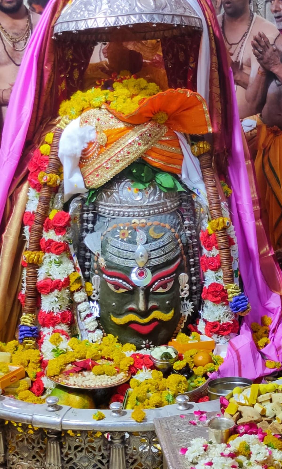 Ujjain: Devotees from across the country throng Mahakal Temple on Maha Shivaratri