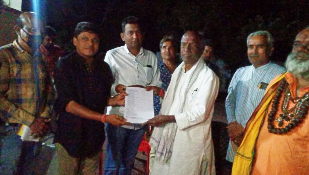 Dhar: Kukshi Zila Banao Andolan gains momentum, activists submit letters to former RSS ideologue Govindacharya