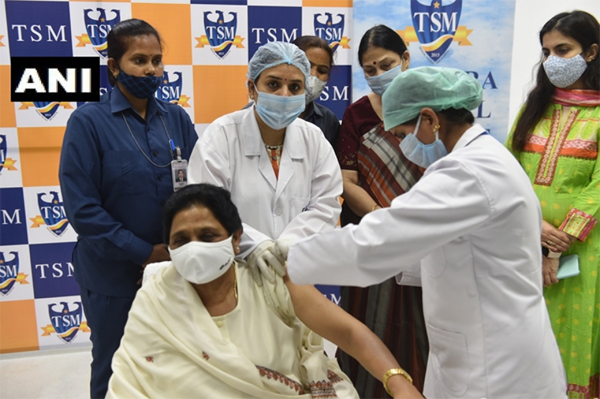 BSP chief Mayawati receives COVID-19 jab, appeals Central and state government to make vaccination free for poor