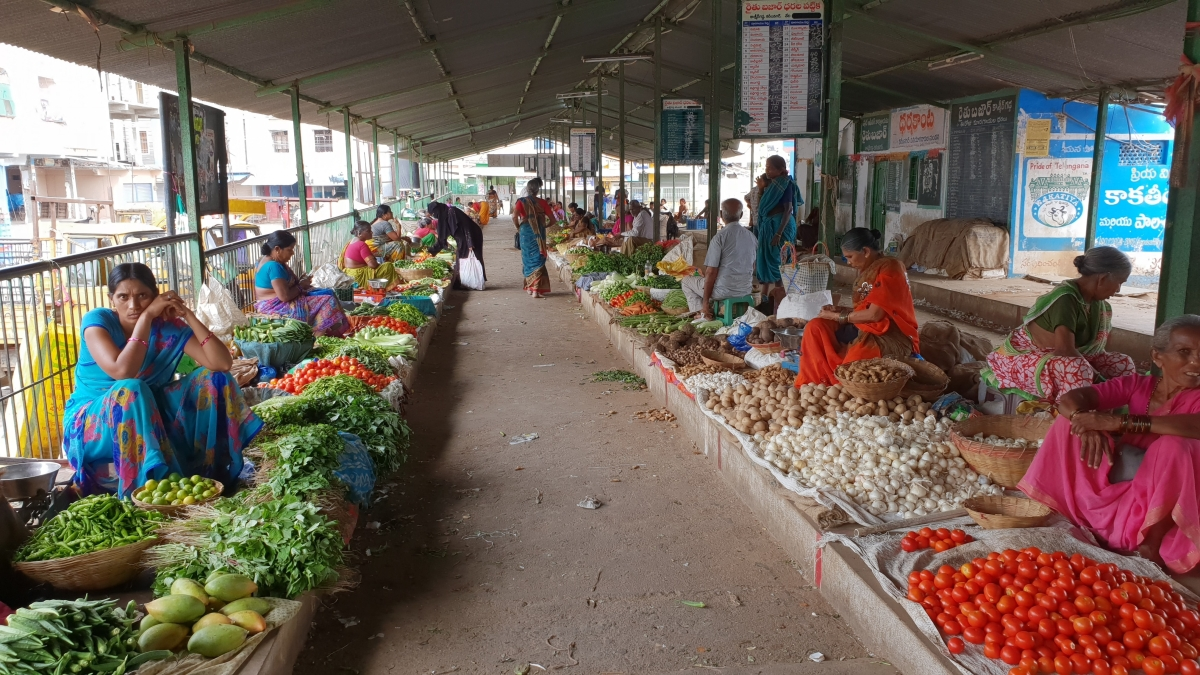 """India's inflation """"uncomfortably high"""": Moody's Analytics"""