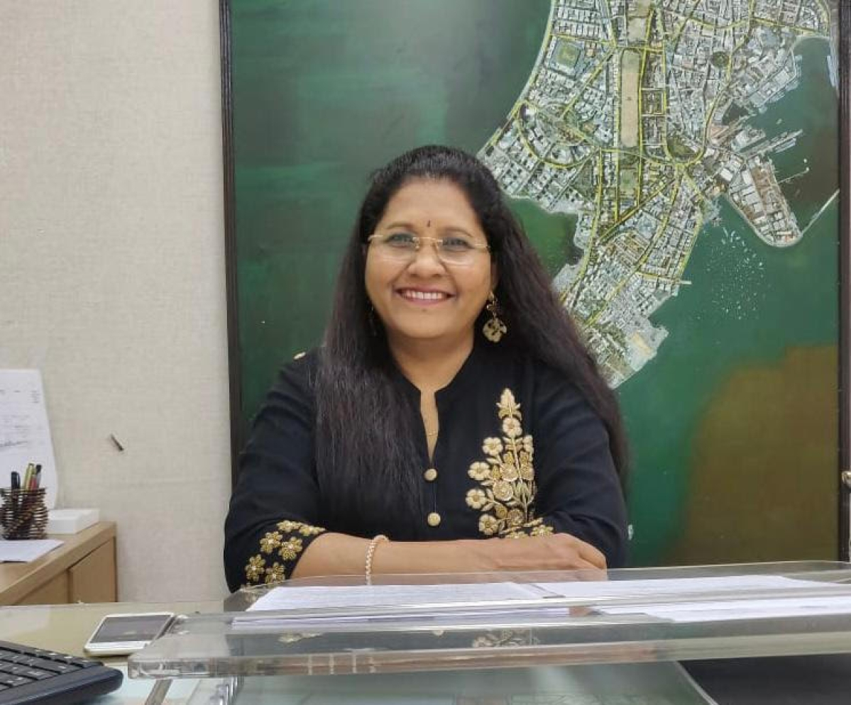 Women's Day 2021: Meet the Covid Sheroes of Mumbai - Assistant Commissioner, BMC, Chanda Jadhav helped 2 lakh migrants return home