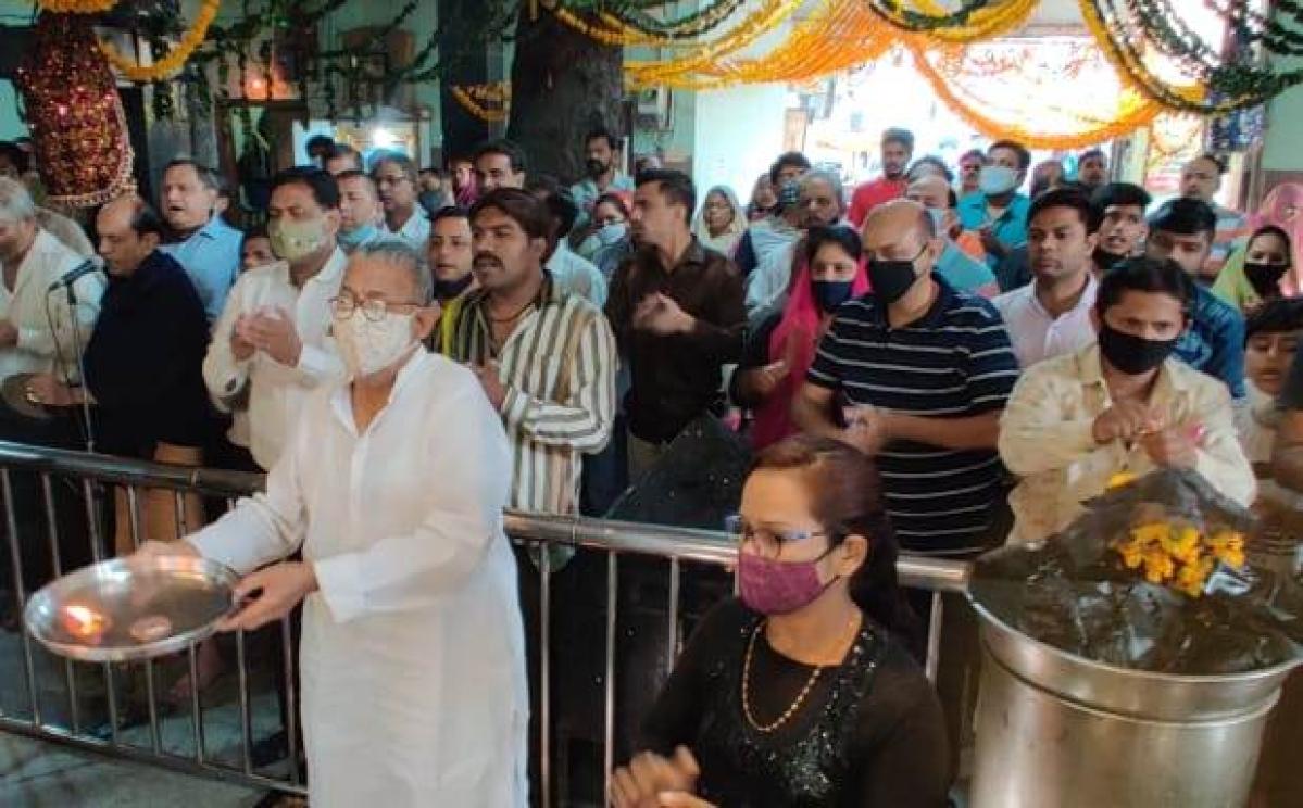Indore: Devotees throng Shani temples on year's first Shanishchari Amavasya