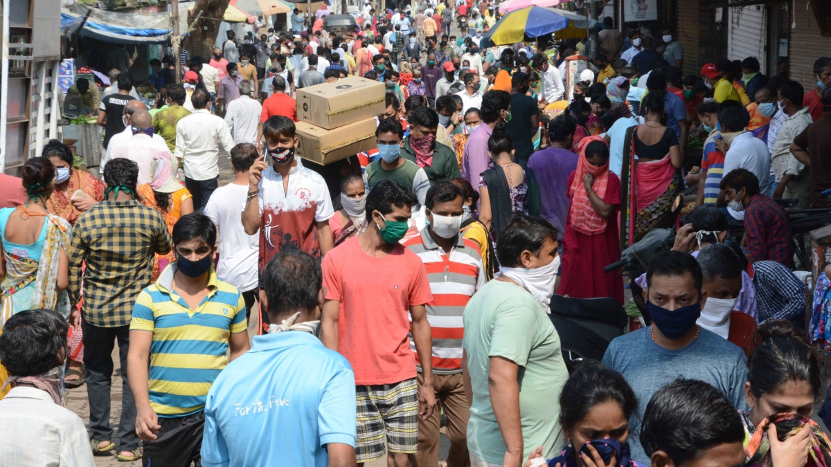 Mumbai: 26 cases registered against 66 people for violating COVID-19 norms on April 12