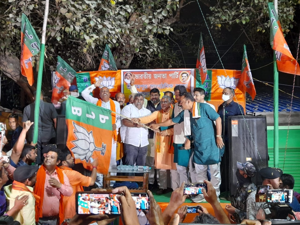 Ahead of West Bengal Assembly polls, former Asansol Mayor Jitendra Tiwari joins BJP