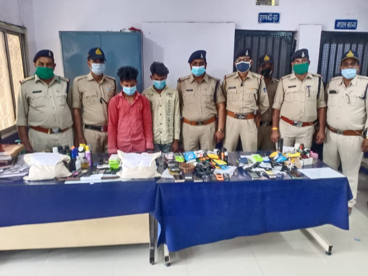 Indore: Pithampur police solve 2 theft cases, recover cash, stolen goods