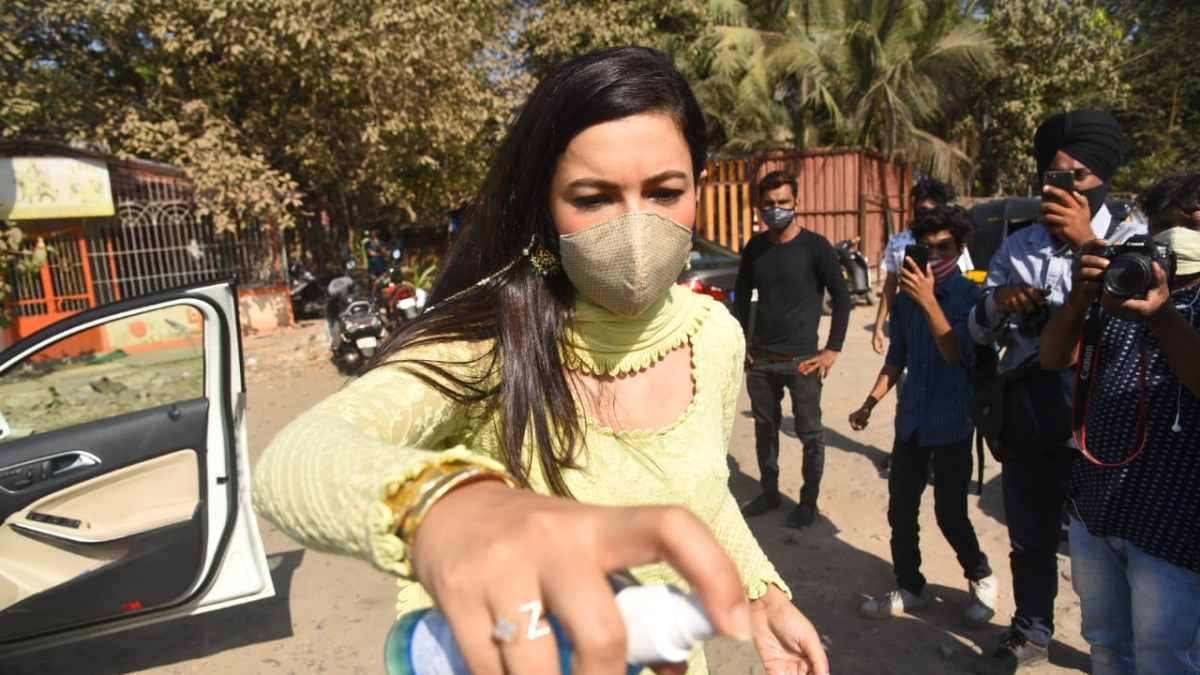 'Won't let anyone else suffer because of confusion': Gauahar Khan after being booked for violating COVID-19 norms