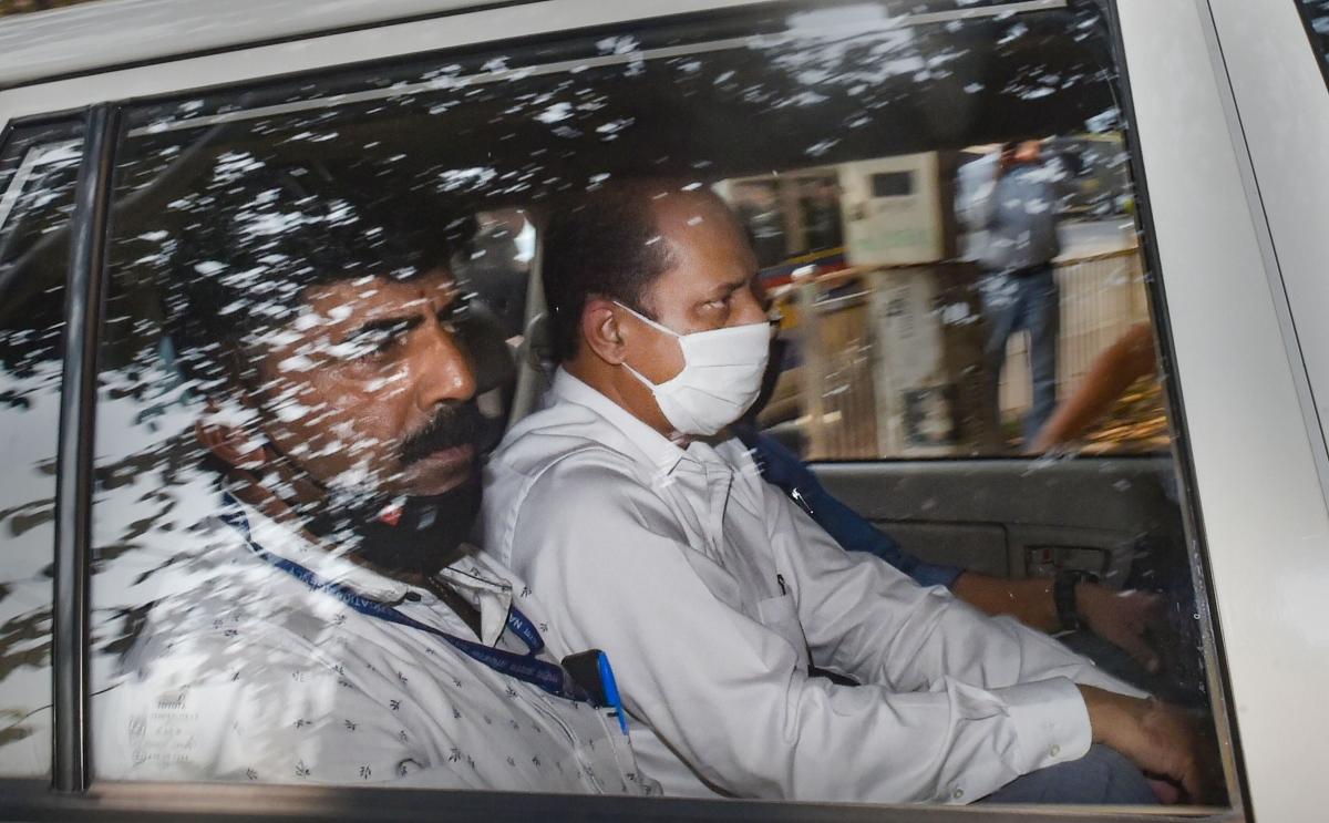 Sachin Waze's arrest by NIA 'insult' of Maharashtra Police: Shiv Sena