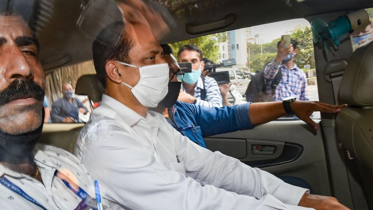 Sachin Waze's case won't be over until Mansukh Hiren's killer is revealed, says Devendra Fadnavis