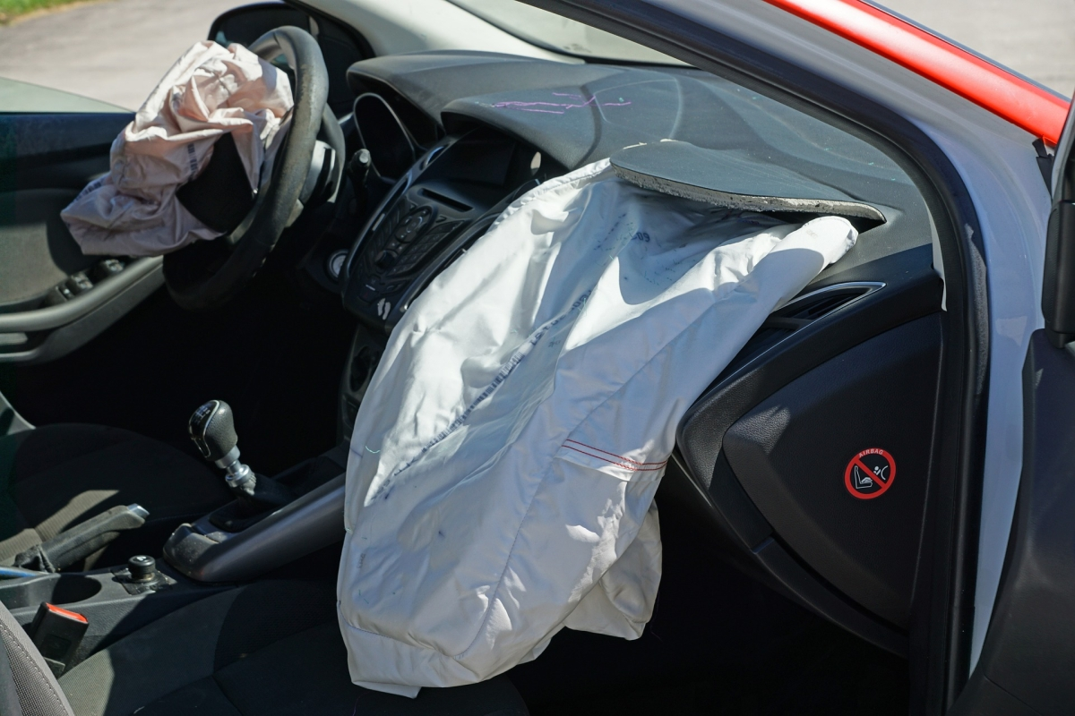 All new vehicles should have dual front airbags from April 1