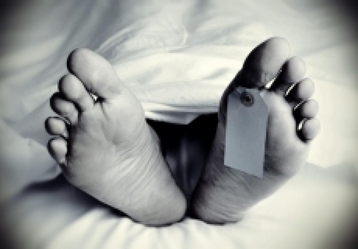 Mumbai: Man decapitated on train; headless body found on tracks