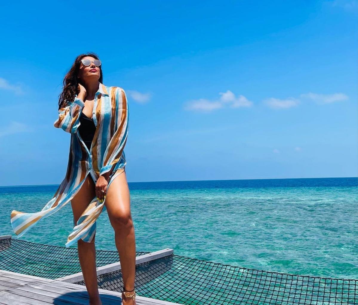 Bipasha Basu drops stunning bikini pics from her exotic vacay in Maldives
