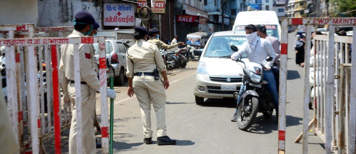 Madhya Pradesh: Three shops sealed, 21 sent to jail in a drive against Covidiots in Gandhwani