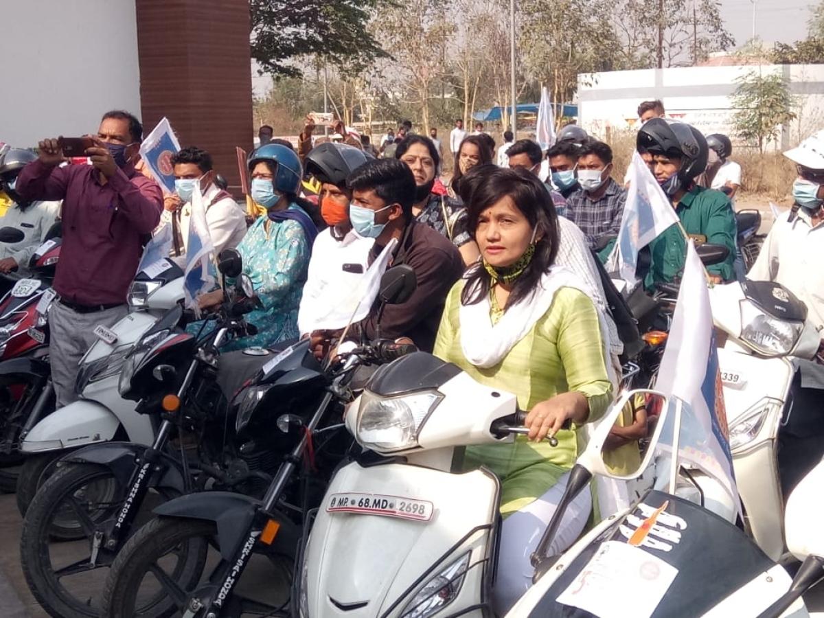 Burhanpur: Two-wheeler rally organised to raise public awareness under Ayushman Bharat Yojana