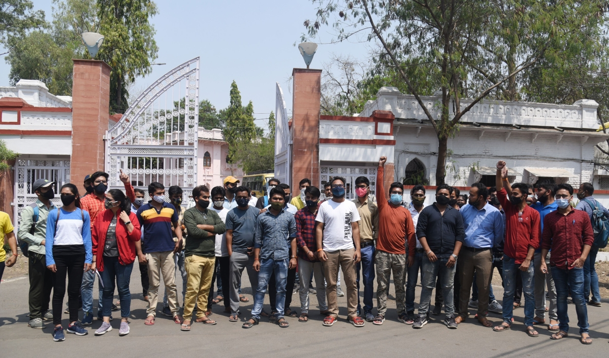 Indore: Candidates protest holding of PSC Mains before court verdict on quota is out