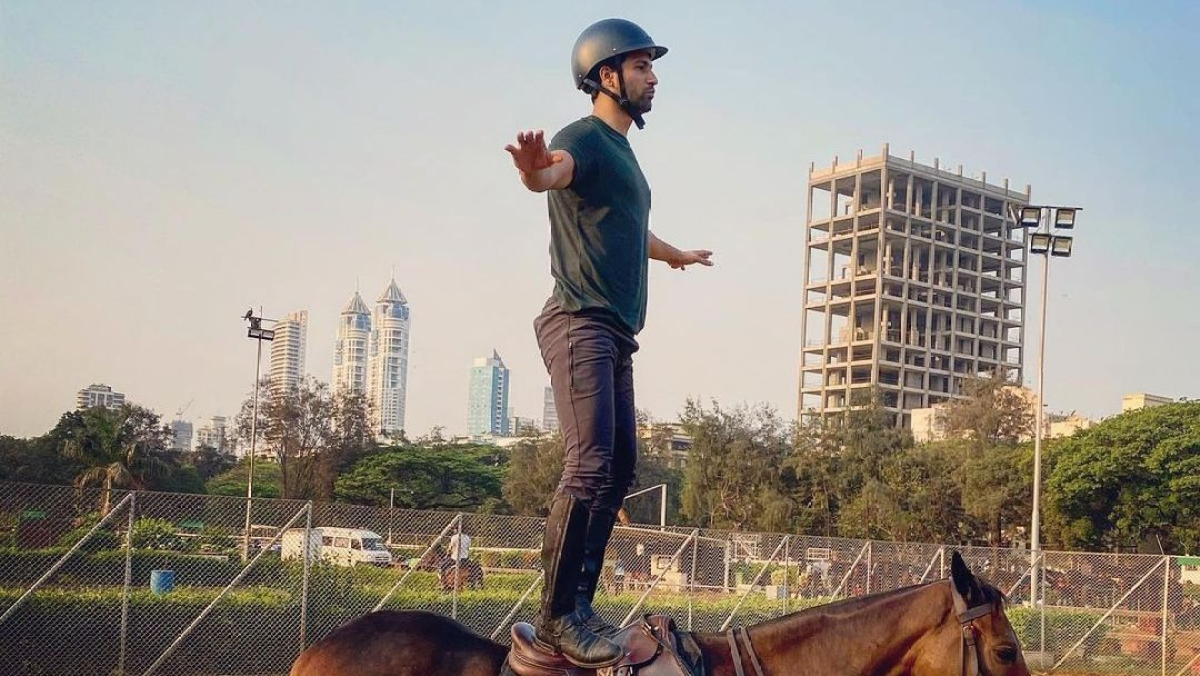 Watch: Vicky Kaushal's balancing act on a horse leaves B-town amused