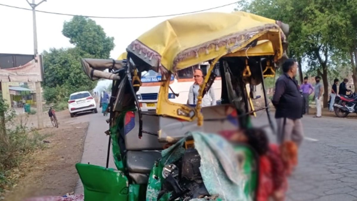 12 women among 13 killed in Gwalior auto-bus collision