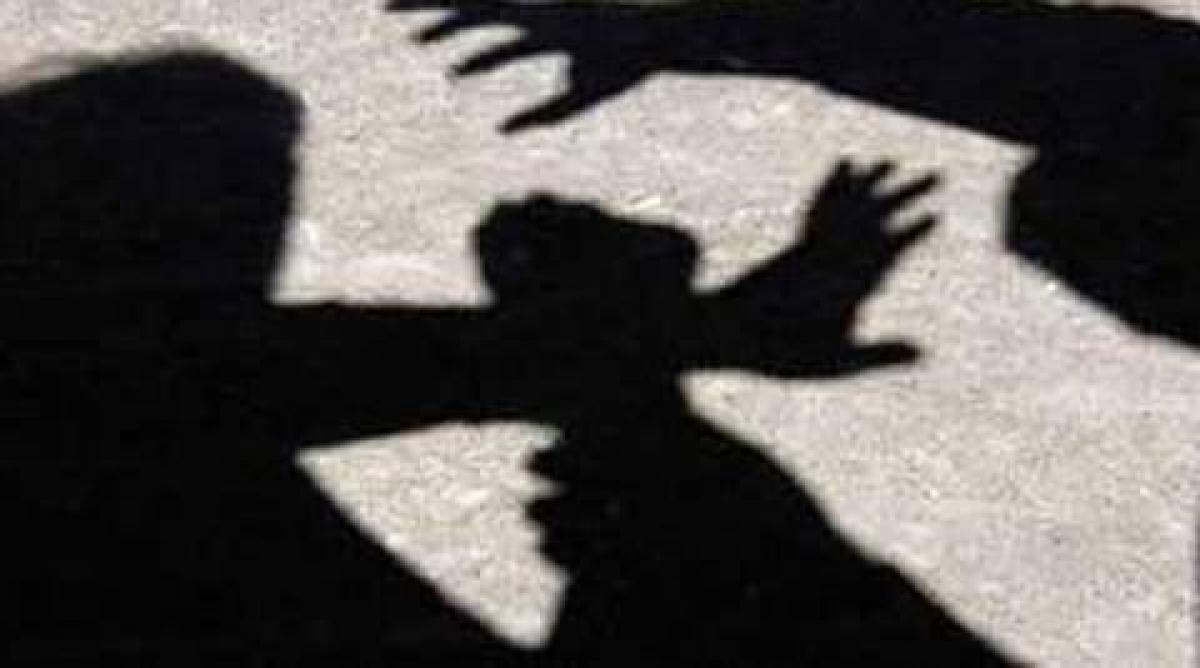 Mumbai: Four attack man with rods in Sakinaka, booked