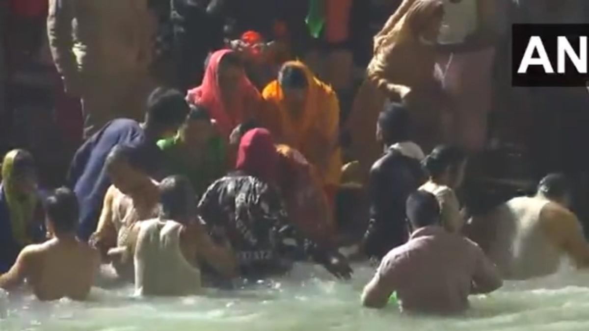 Watch: Thousands of Lord Shiva followers gather at Har Ki Pauri ghat in Haridwar on the occasion Maha Shivaratri