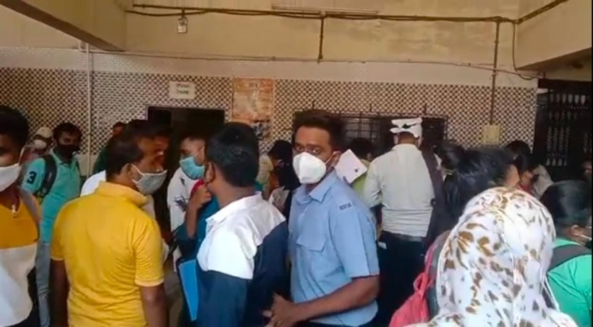 Irony! Candidates flock at Ulhasnagar civic body's health dept for interview; flout COVID-19 norms
