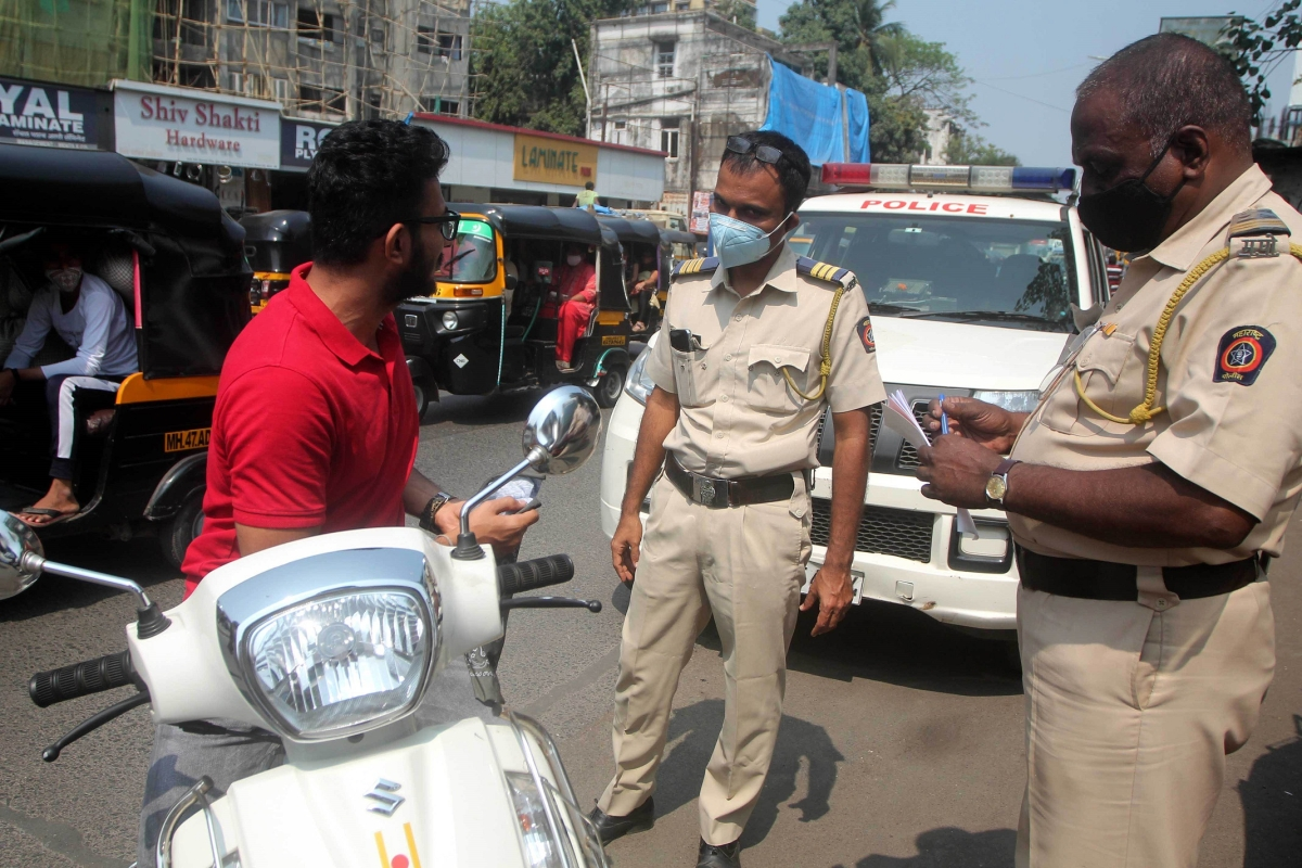 Mumbai: 226 people booked for lockdown violations on first day of 'strict-lockdown'