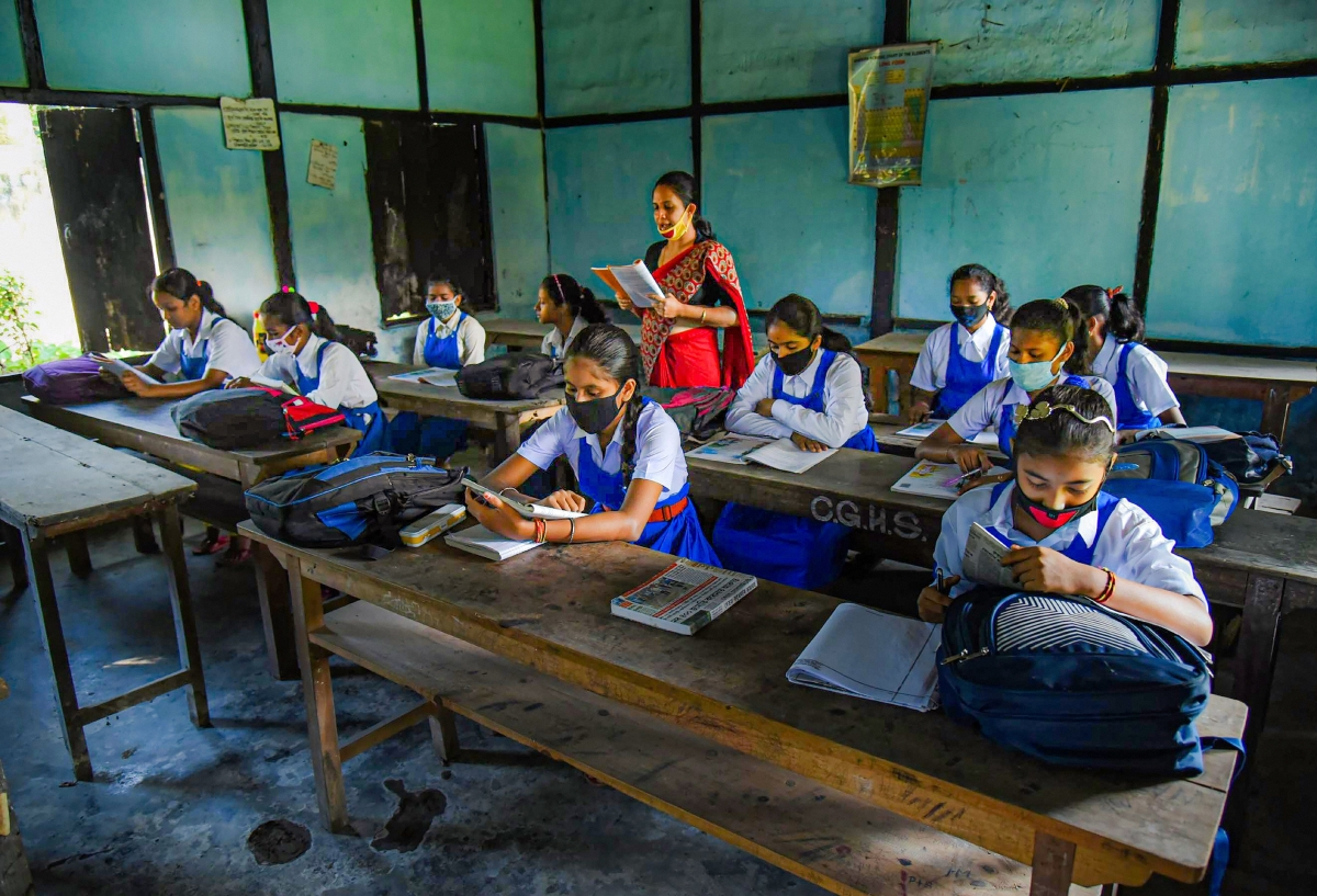Mumbai: Oppn against BMC's Rs 12-cr tender to buy shoes for civic school students