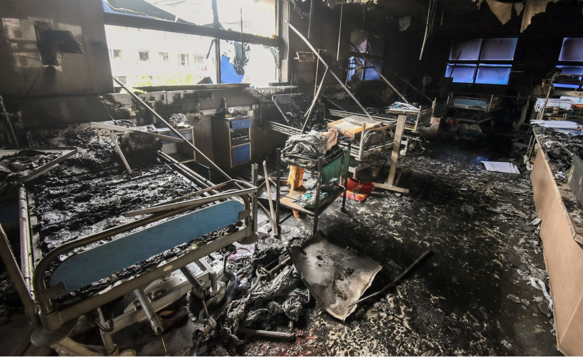 Maharashtra, April 23 (ANI): 13 people have died after a fire broke out inside the Intensive Care Unit (ICU) in Vijay Vallabh COVID care hospital in Mumbai in the wee hours of Friday.