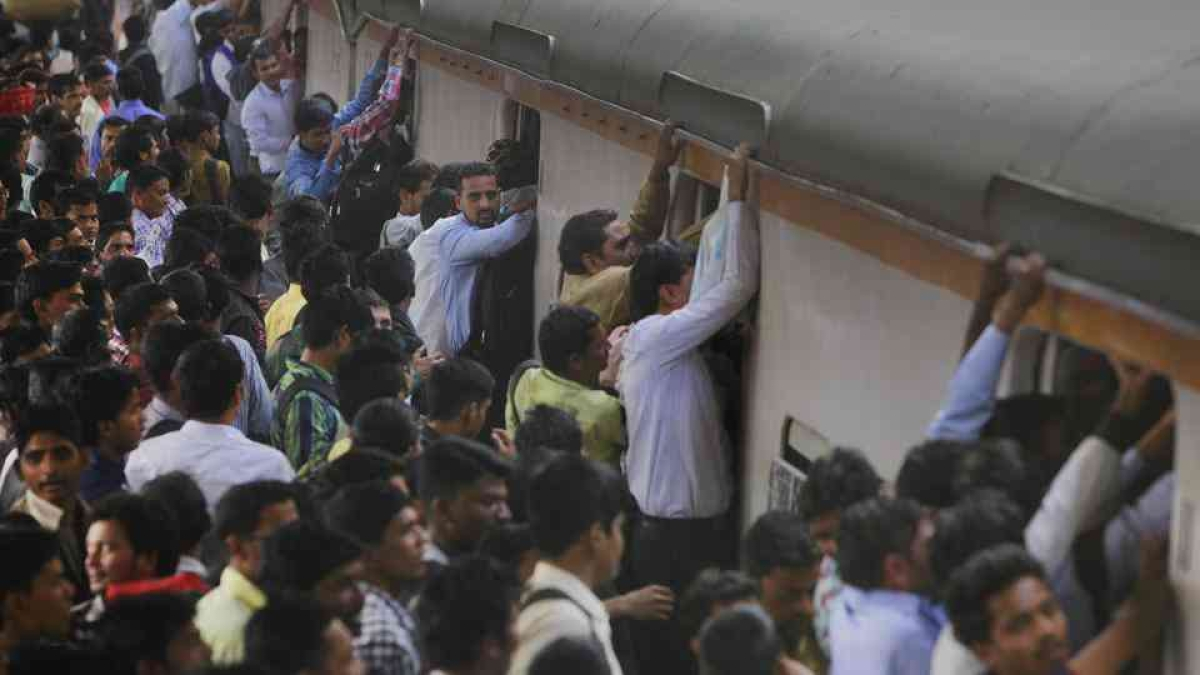 Central Railway appeals to people against fake videos of rush on trains