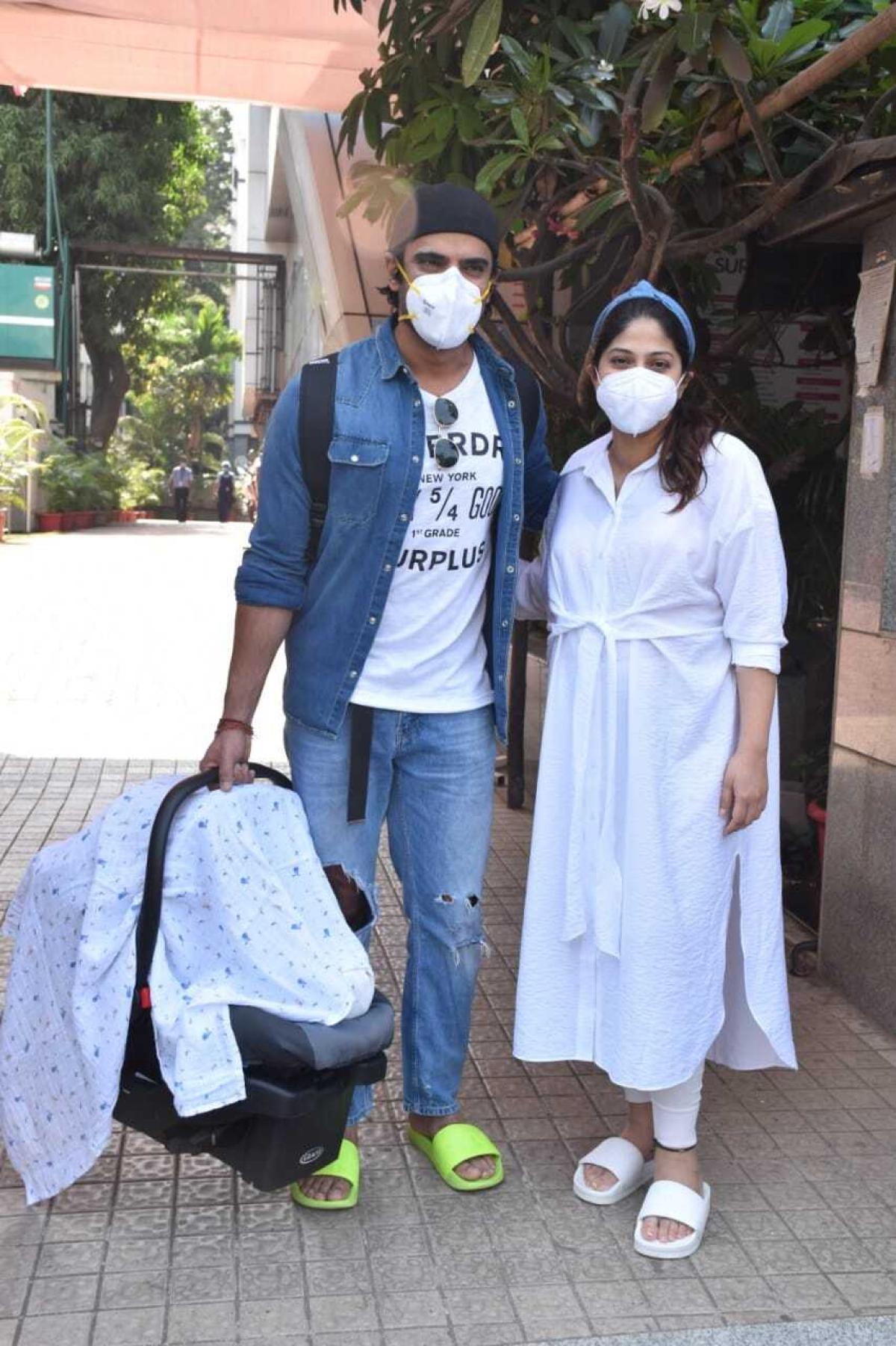 In Pics: Mohit Malik and Addite Shirwaikar spotted with their newborn in Mumbai